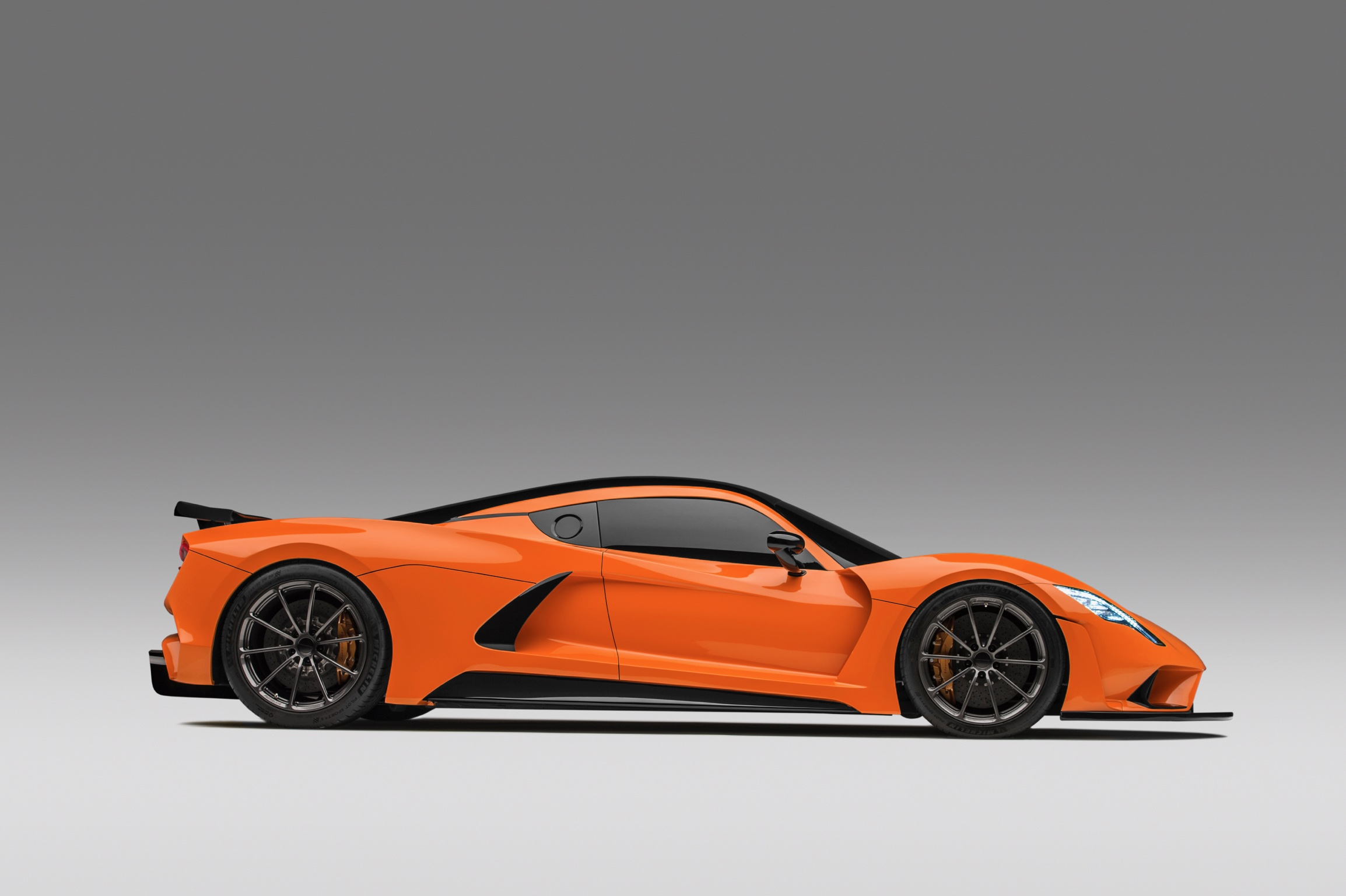 Hennessey Venom F5 in Deep Orange Side